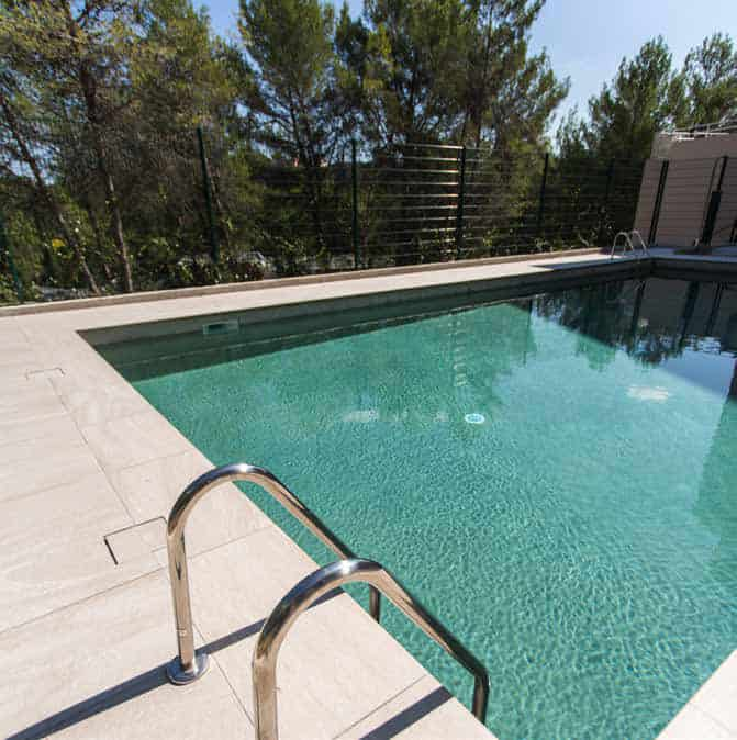 Une piscine de libre accès sur le campus